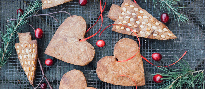 Spiced treacle and pine nut biscuits