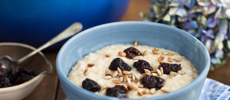 Oat porridge sunflower seeds and dried cherries