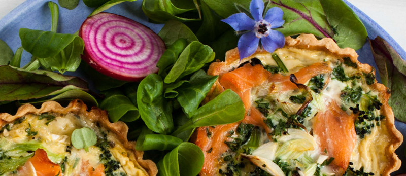 Smoked salmon and broccoli quiche